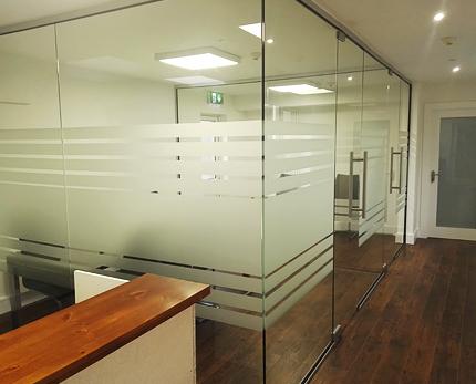 Flesk Glass - Glass Cabin Image