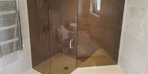 Flesk Glass bespoke glass shower