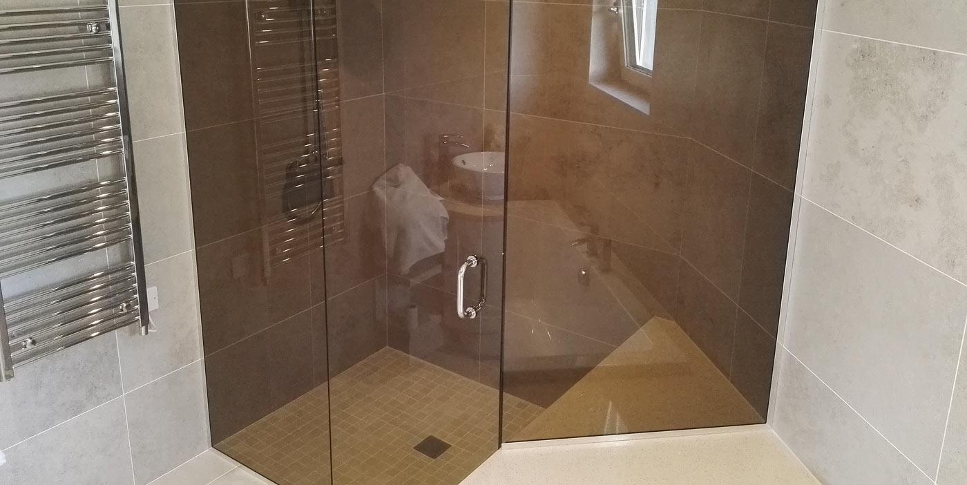 Flesk Glass bespoke glass shower